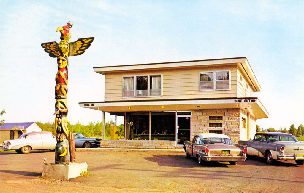 Totem Pole Restaurant In Ironwood Michigan 1958 Chrysler