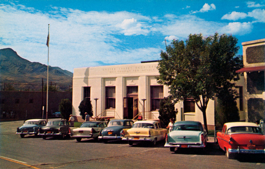 Truth Or Consequences (NM United States  city photo : Post Office in Truth Or Consequences, New Mexico 1958 DeSoto FireDome